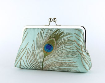 EllenVINTAGE Silk Peacock Clutch With Silk Lining in Mint