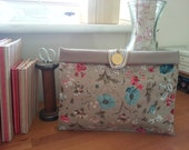 Small Vintage floral-fabric make-up/toiletry bag