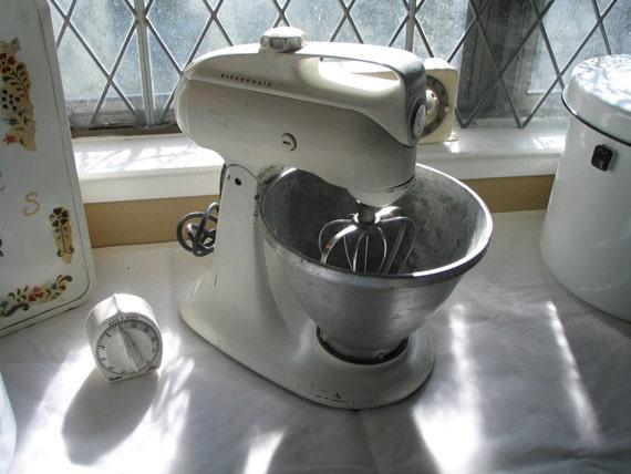Vintage Kitchenaid Electric Mixer Distressed Model 3 C
