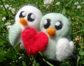 Needle Felted Love Birds- Felted Cake Topper, CUSTOM COLOR Wedding  Decoration and Favor, Anniversary Gift, Valentine's Day Present