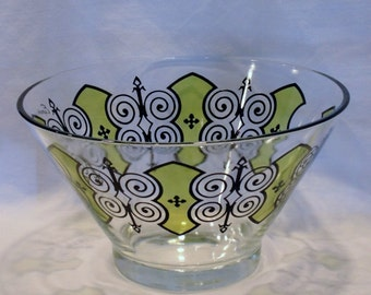 Beautiful Large 1970s Espana Designed Glass Bowl for Chips, Punch, Popcorn, etc.