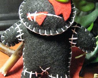 ZoMbIE Doll, stuffed, felt, embroidered, creepy cute, colorful