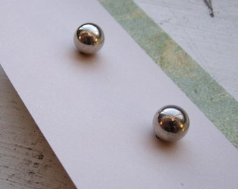 Vintage Classic Sterling Silver Ball Post Earrings