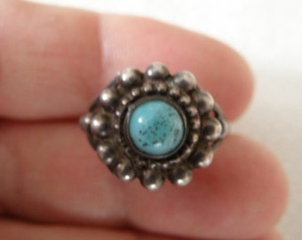 Vintage Native American Turquoise Sterling Silver Ring - Size 8 U.S.