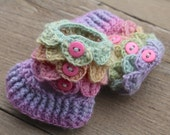 Crocodile Stitch Baby Booties. Pastel Baby Booties. Merino Wool. Baby Boots. Crocodile Booties. Baby Gift. Spring Colors