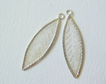 Silver tone leaf leaves with screen center 2 pcs