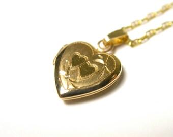 14k Yellow Gold Petit Heart Locket Pendant Necklace - 14k Yellow Gold Chain - Portrait - Keepsake - Valentines - Total Weight: 2.2 Grams