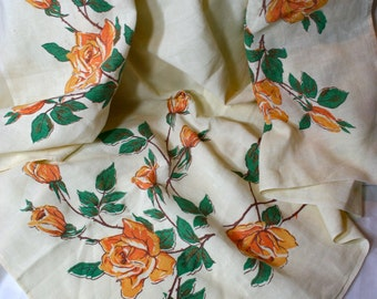 Lovely Vintage Tablecloth, Linen, Yellow Roses on Pale Yellow Background