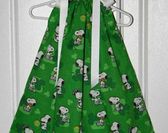 St. Patricks Day Pillowcase dress featuring Snoopy-sizes 3mo-6/7available :SP002some sizes are ready to ship