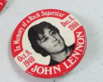 Vintage Collectible button : the john lennon