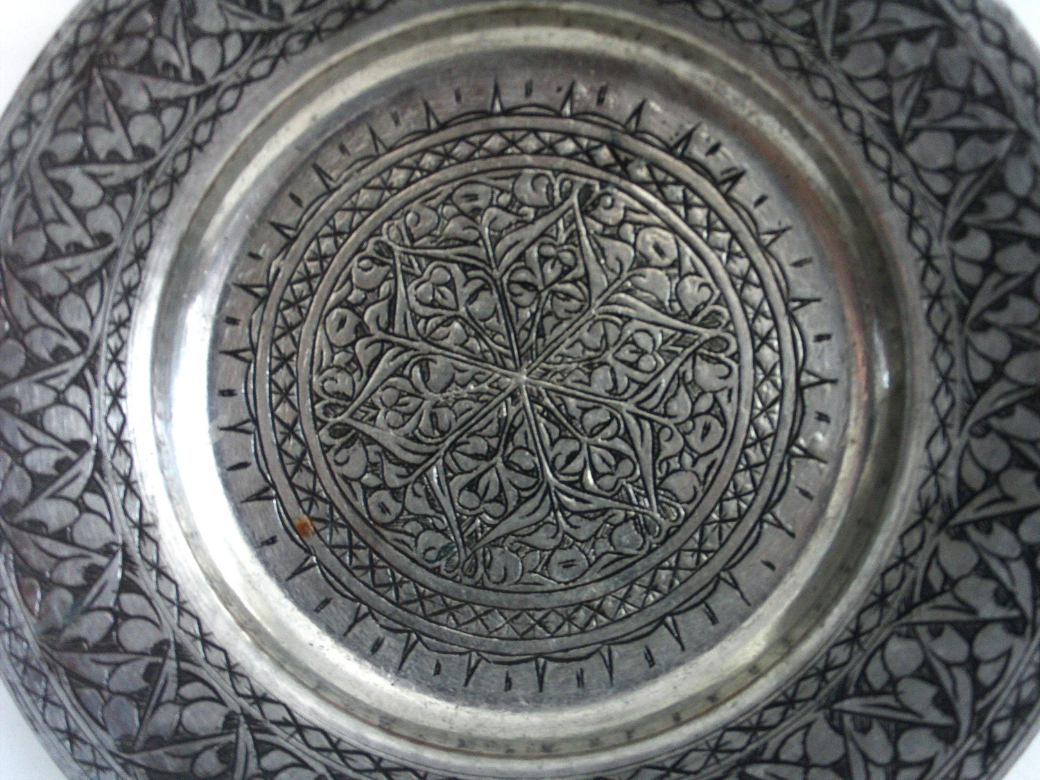 Vintage Etched Copper Wall Hanging Plate 11'' Tinned