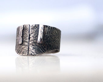 Guisla - Adjustable oxidized sterling silver ring