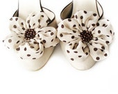 Cream With Brown Dots Flowers Shoe Clips - BizimWedding