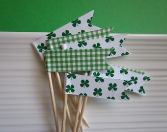 St. Patricks Day / Shamrock / cupcake flags / toppers / party picks / set of 24