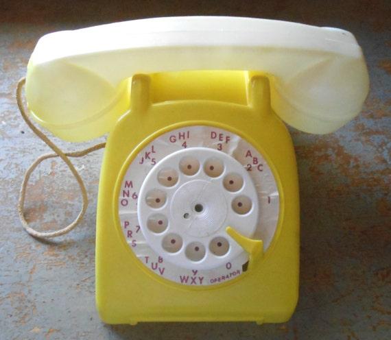 Vintage Toy Phone 70