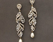ELSA Gold wedding jewelry, bridal earrings, Gold rhinestone dangle earrings, crystal and pearl earrings, wedding accessory, bridal jewelry