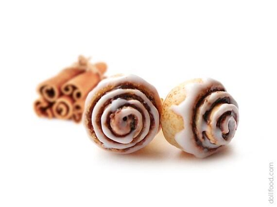 Cinnamon Roll Stud Earrings - Small Ear Studs - Earrings Post - Food Jewelry