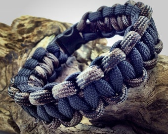 Paracord - Survival Bracelet - Paracord Bracelet - Tactical - 550 Paracord - Paracord Survival - Hiking - Camping - Black and Camo