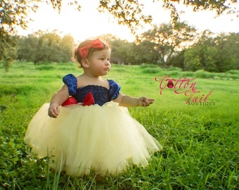Fairest of them all (Snow White) Inspired dress sizes newborn to girls size 4