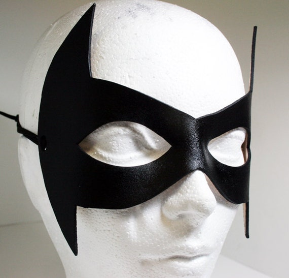 how to make a nightwing mask