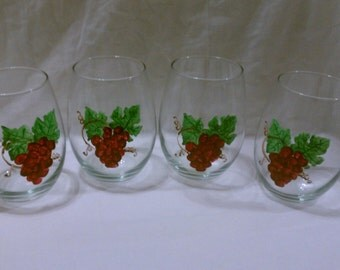 Hand Painted Stemless 20oz Set of 4 Wine Glasses, Grapes