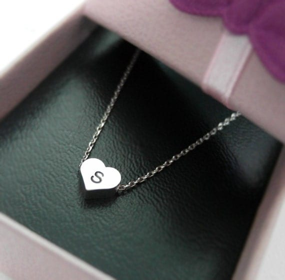 initial heart necklace in white gold personalized necklace. Black Bedroom Furniture Sets. Home Design Ideas