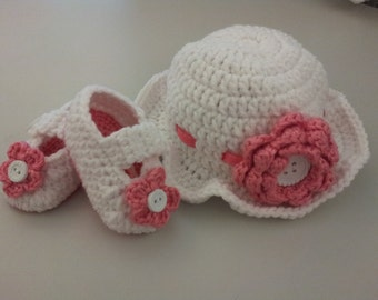 Newborn Sunhat and Bootie Set