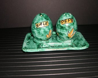 Hand Painted Ceramic Salt & Pepper Shakers With Tray