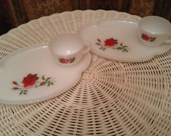 Vintage Federal Glass milk glass servi-snack set (2) with red rose