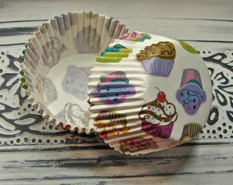 Cupcake Liners - White with Cupcake Print - 50 Pieces