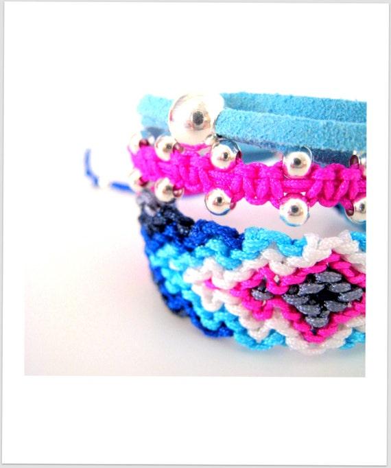 Friendship Bracelet. Fuchsia & Light Blue