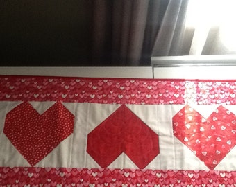 Beautiful Heart Table Runner in reds and whites