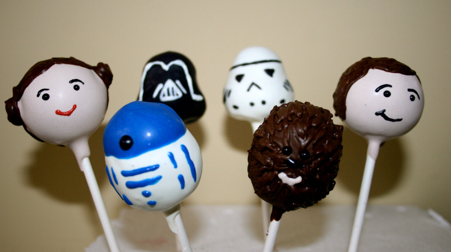 Star Wars Cake Pop Images : Star Wars Character Cake Pops by FayesCakePops on Etsy