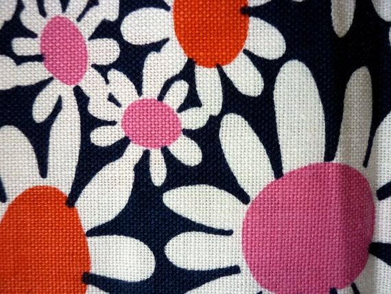 Vintage Scandinavian Mod Daisy Fabric / White Navy Red Pink / Retro Daisy Floral