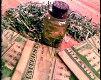 Handmade Prosperity oil: Abundance, Wealth, Wicca, Hoodoo, Voodoo, Prosperity,Money