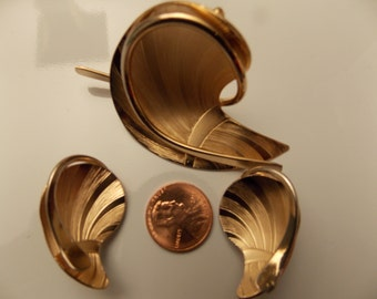 Very Vintage Coro Brooch and Earring Set