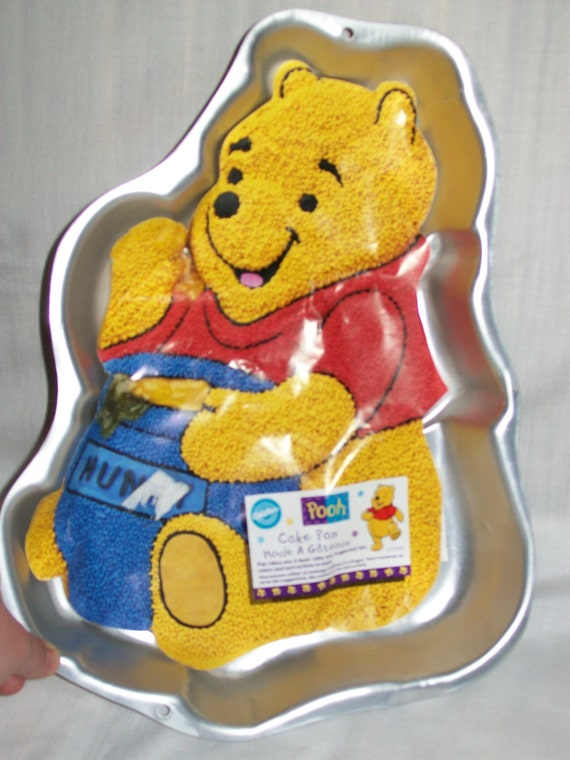 1995 Wilton Cake Pan Winnie The Pooh Eating Honey With Hunny