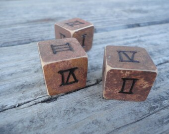 Classic Gypsy Wooden Divination Dice