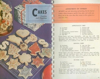 Vintage Favorite Recipes from American's Dairlyland Cook Book Cookbooklet Wisconsin