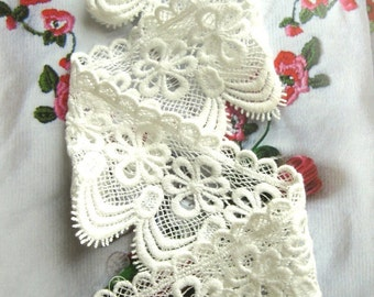 Off White Cotton Embroidered Lace Trim with Antique Floral Patterns