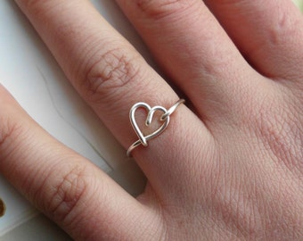 Silver Wire Heart Ring non-adjustable Dainty Ring