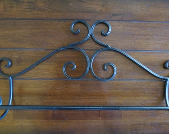 Shabby Chic Towel Bar/Black or Pick Your Color Towel Hanger/Metal Towel Bar/Shabby Chic Bathroom