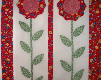 Red Sunflowers Hand Appliqued Quilt Top 17.5x23