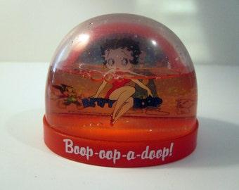 Vintage Betty Boop Waterglobe Collectible Nostalgia