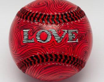 LOVE Baseball, Gift baseball, Baseball Fan, Baseball Lover, Baseball Wedding Gift (OCCASION05)