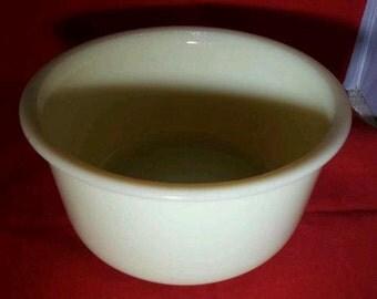 "Mint Vintage McKee Seville Yellow 9"" Mixing Bowl"