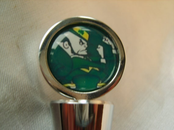 NOTRE DAME Chrome Wine Stopper with Satin Gift Bag