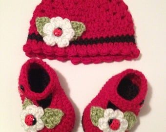 Crochet Baby Booties, Baby Hat, 0 to 3 Month