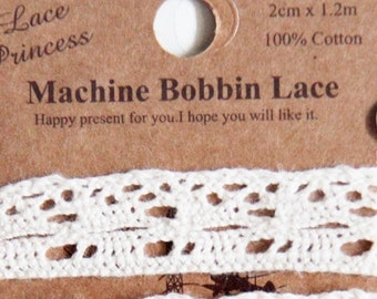 1.2 metres Machine Bobbin Lace-Undyed Natural Beige Cotton Lace. Srapbooking. Gift Wrapping (Design 10)