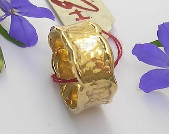 Gold wedding band in 9 kt yellow gold. or 14 kt and 18 kt.